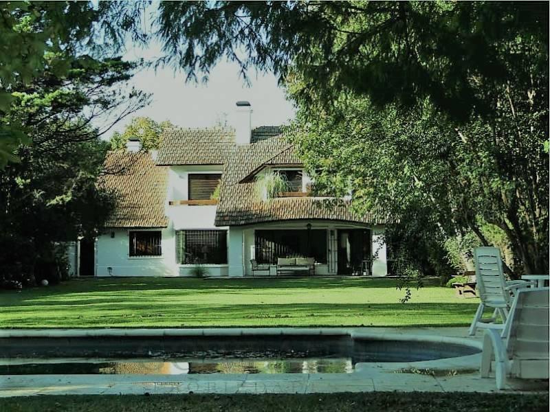 Foto Casa en Venta en  San Isidro,  San Isidro  Carlos Calvo  al 1400
