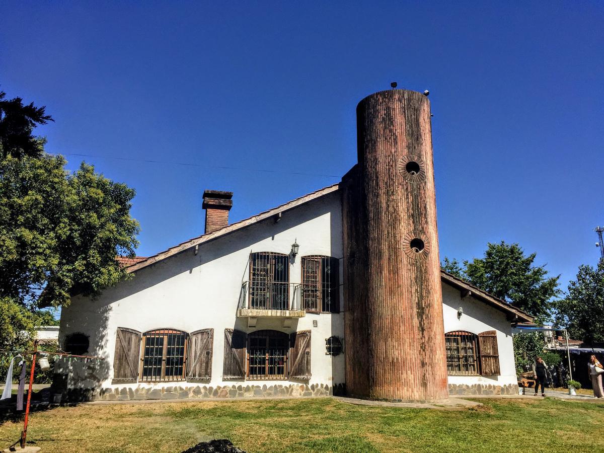 Foto Casa en Venta en  Pilar ,  G.B.A. Zona Norte  El Peteriby al 2100