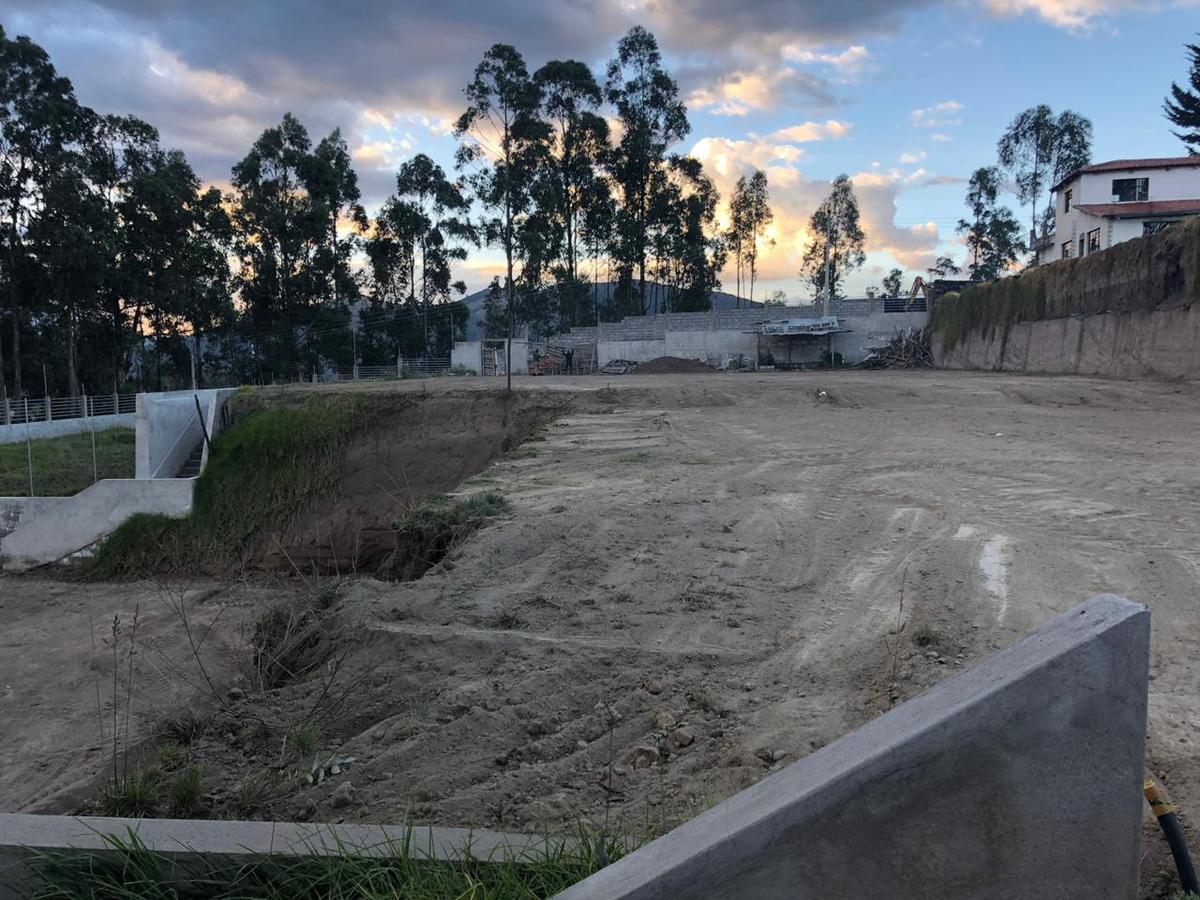 Foto Terreno en Venta en  Los Chillos,  Quito  San Fco. de Alpahuma