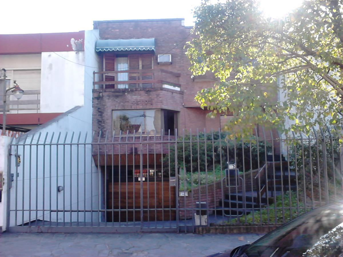 Foto Casa en Venta en  Villa Sarmiento,  Moron  Dr. R. Guitierrez 760