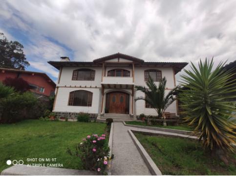 Foto Casa en Venta en  Puembo,  Quito  Venta casa por La Giralda, Puembo