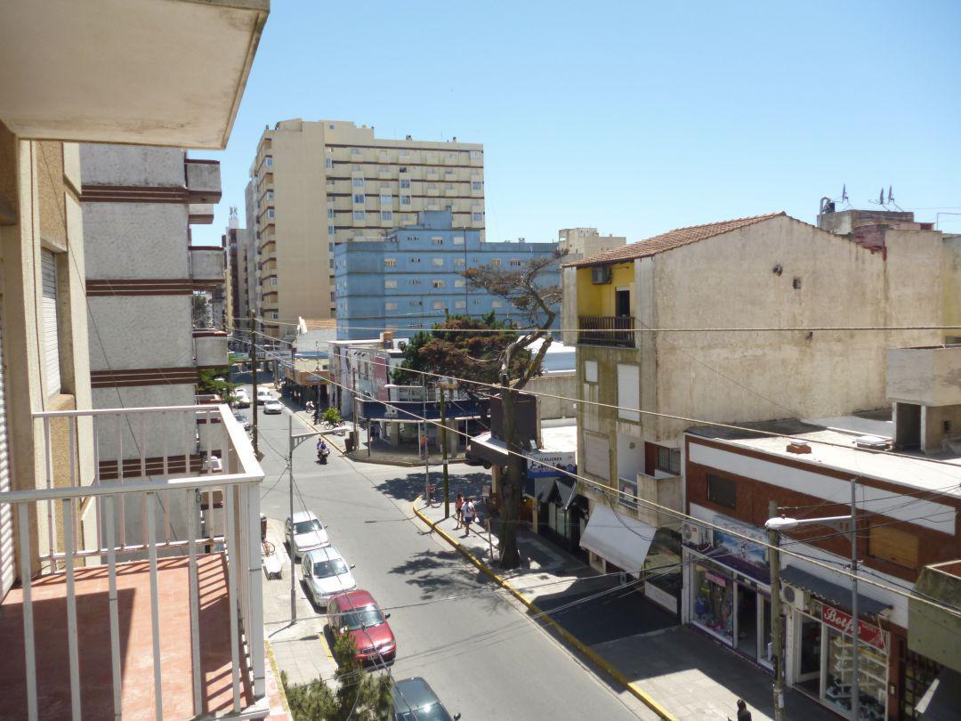 Foto Departamento en Alquiler temporario en  San Bernardo Del Tuyu ,  Costa Atlantica  Chiozza 2564, 3° B