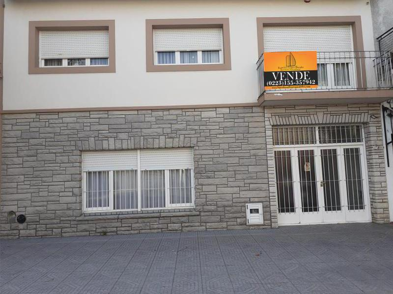 Foto Casa en Venta en  P.Mogotes,  Mar Del Plata  Manuel Acevedo al 2200
