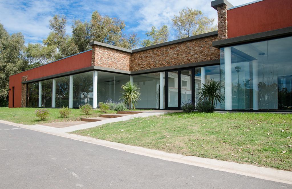 Foto Casa en Venta en María Eugenia Residences and Village, Moreno   Countries/B.Cerrado (Moreno)   Maria Eugenia Residences & Village