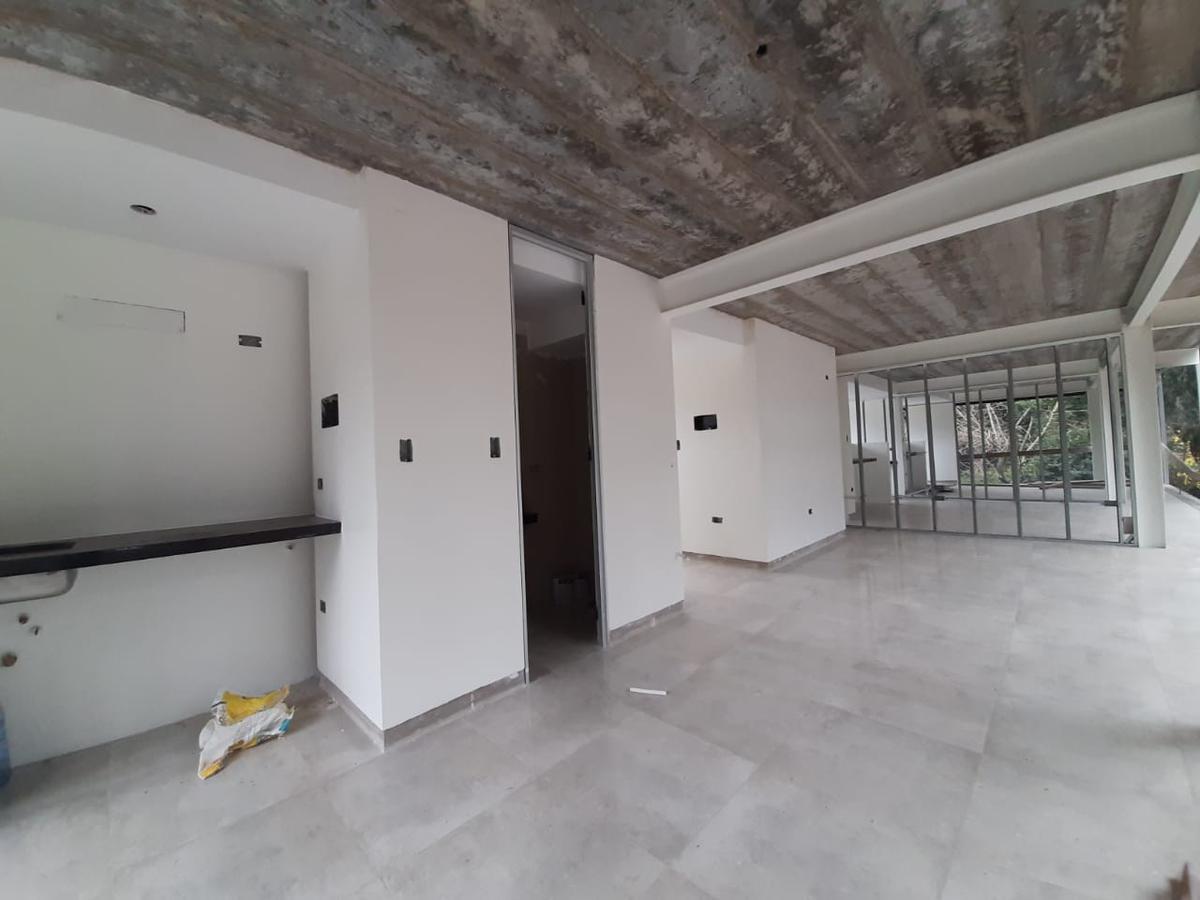 Foto Oficina en Venta en  City Bell,  La Plata  Oficinas y Locales  en Paseo Nirvana - Cno Belgrano y 478 - City Bell