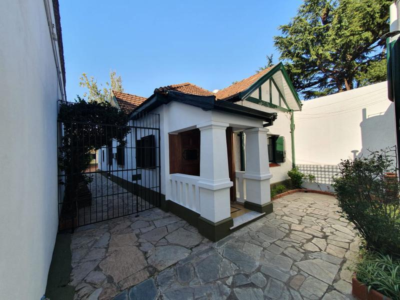 Foto Casa en Alquiler en  Adrogue,  Almirante Brown  SEGUI 874, Casa 1,  entre Uriburu y somellera