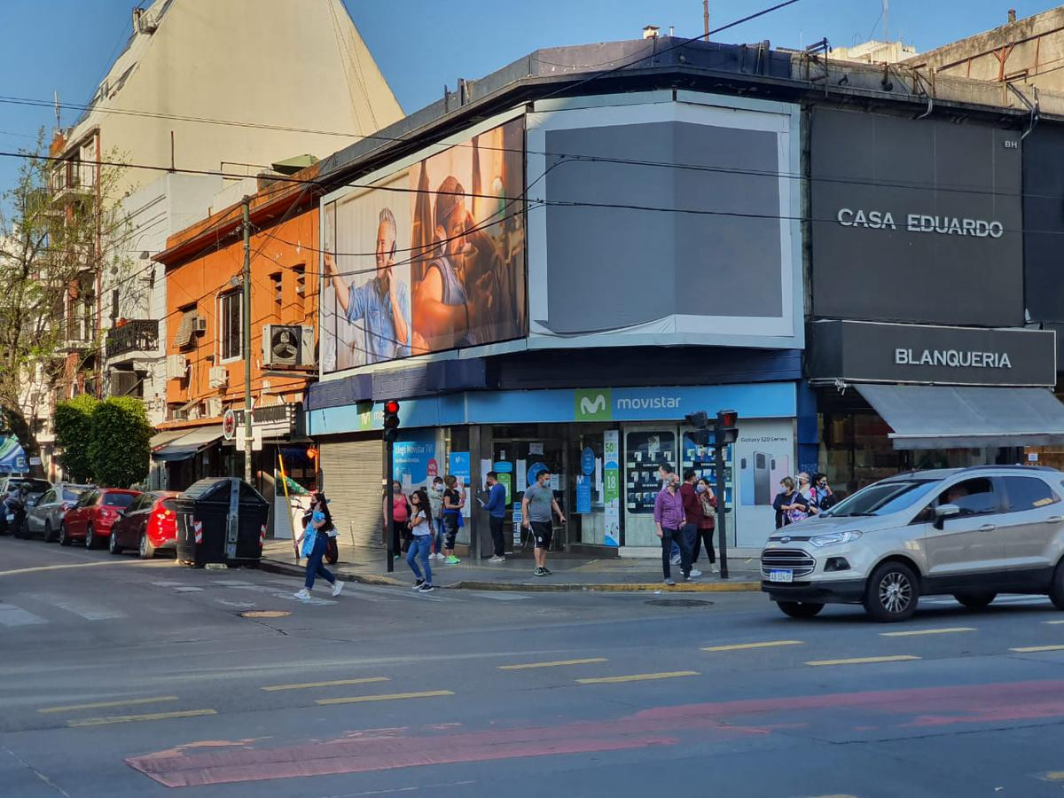 Foto Local en Alquiler en  Belgrano ,  Capital Federal  Av. Cabildo al 2200