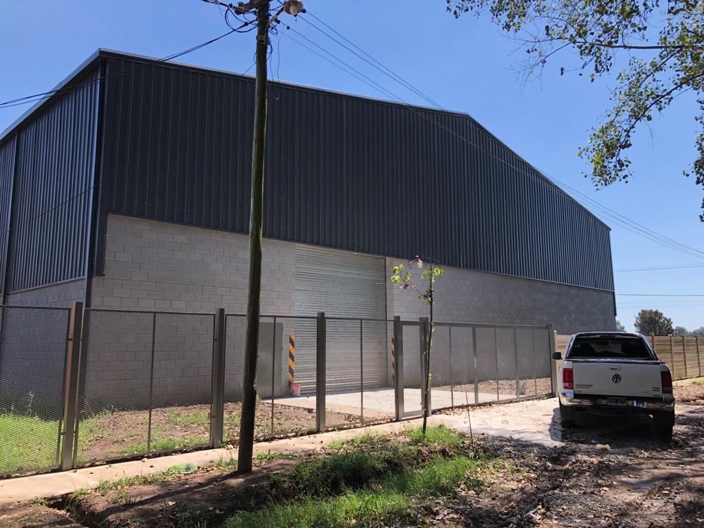 Foto Depósito en Alquiler   Venta en  Moreno ,  G.B.A. Zona Oeste  Bartrina entre Diagonal Milan y Acceso Oeste Colectora Norte Km43
