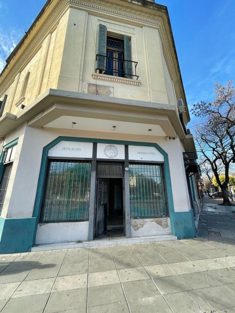 Foto Local en Venta en  Villa Devoto ,  Capital Federal  Jose Luis Cantilo al 4200