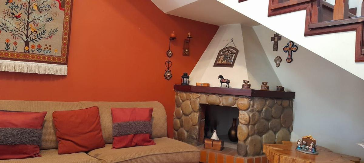 Picture House in Sale in  Este,  Cuenca  Narancay