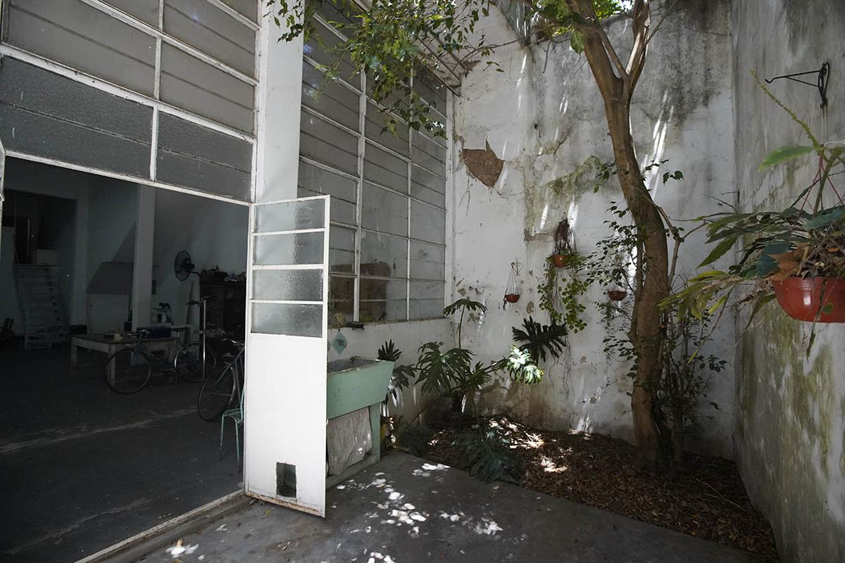 Foto Terreno en Venta en  Villa Ortuzar ,  Capital Federal  Charlone al 2100