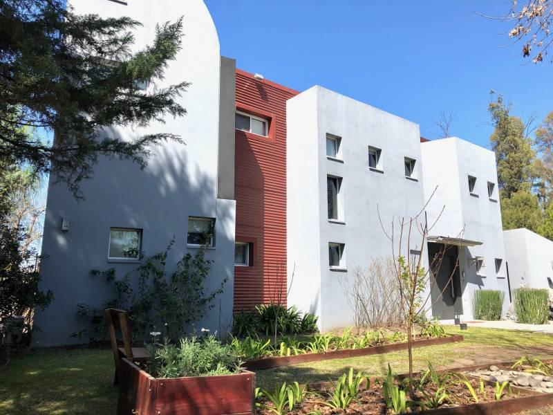 Foto Casa en Venta en  Francisco Alvarez,  Moreno  Almafuerte al 1400