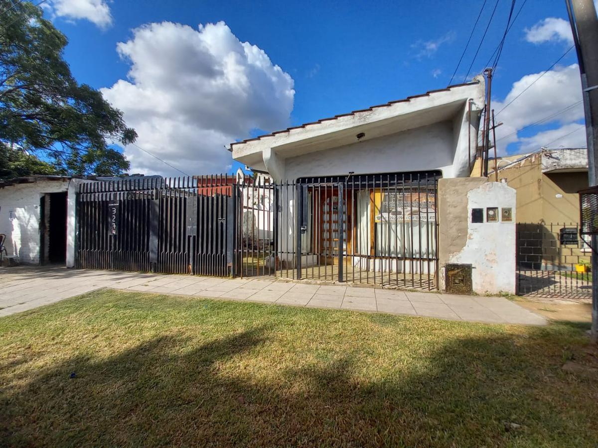 Foto Casa en Venta en  Los Polvorines,  Malvinas Argentinas  Carola Lorenzini al 3200