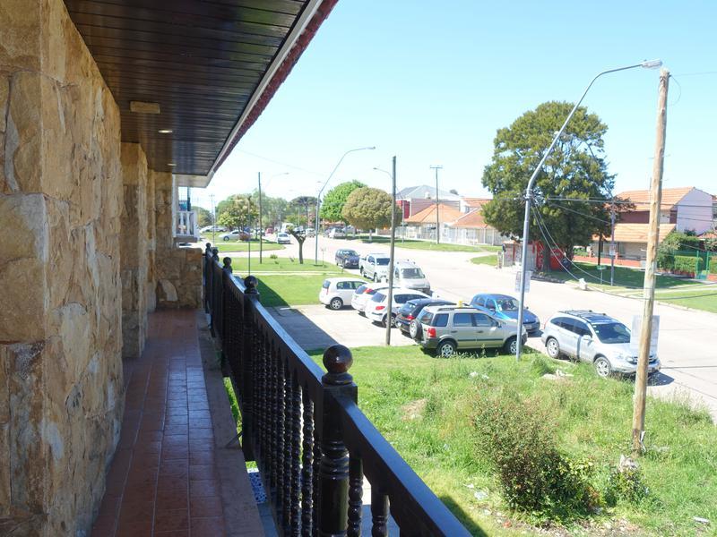 Foto PH en Alquiler en  Mar Del Plata ,  Costa Atlantica  Av. Fortunato de la Plaza entre Aguado y Mosconi