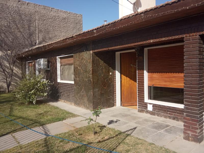Foto Casa en Alquiler en  Capital ,  Neuquen  Huanquero casa 29