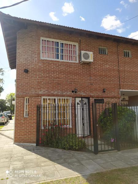 Foto Casa en Venta en  Carapachay,  Vicente Lopez  Fray Mamaerto Esquiu al 2800