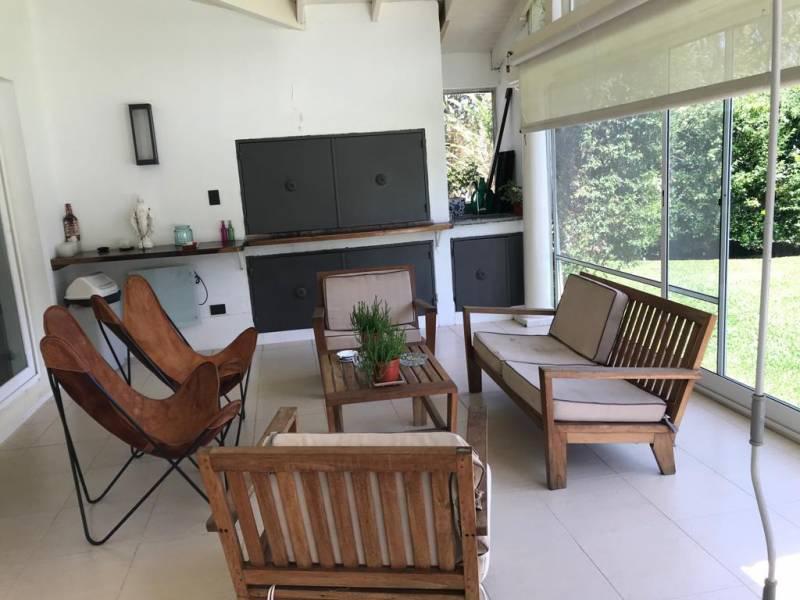 Foto Casa en Venta en  Los Castores,  Nordelta  AVDA DE LOS LAGOS al 6100