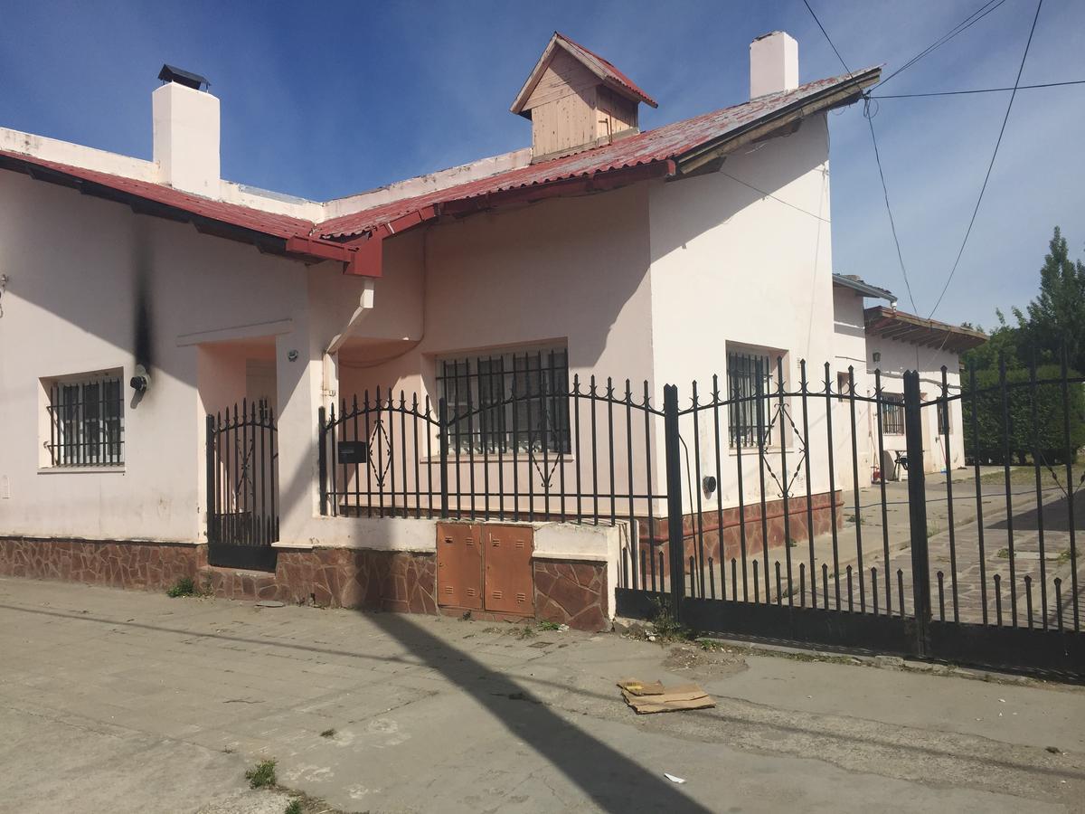 Foto Casa en Alquiler en  Esquel,  Futaleufu  Almafuerte al 1000