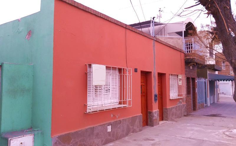Foto Casa en Venta en  Trelew ,  Chubut  Alem al 700