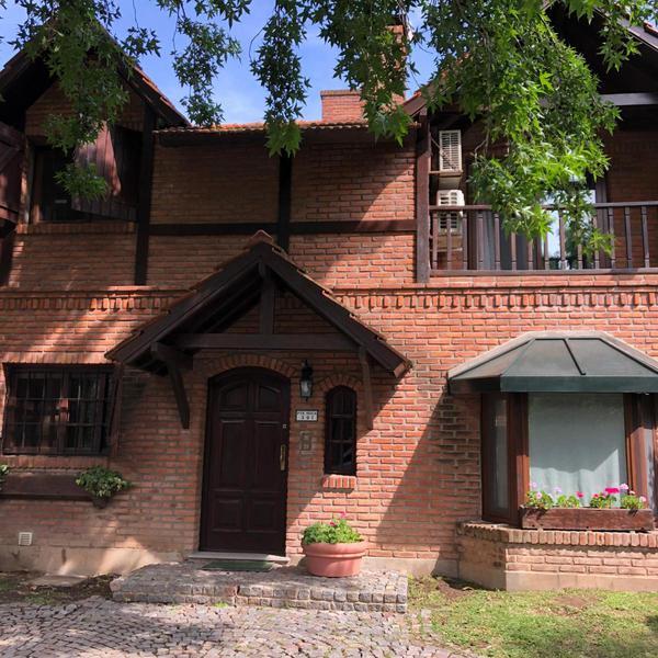 Foto Casa en Alquiler temporario en  Beccar,  San Isidro  Pres. Roca 391
