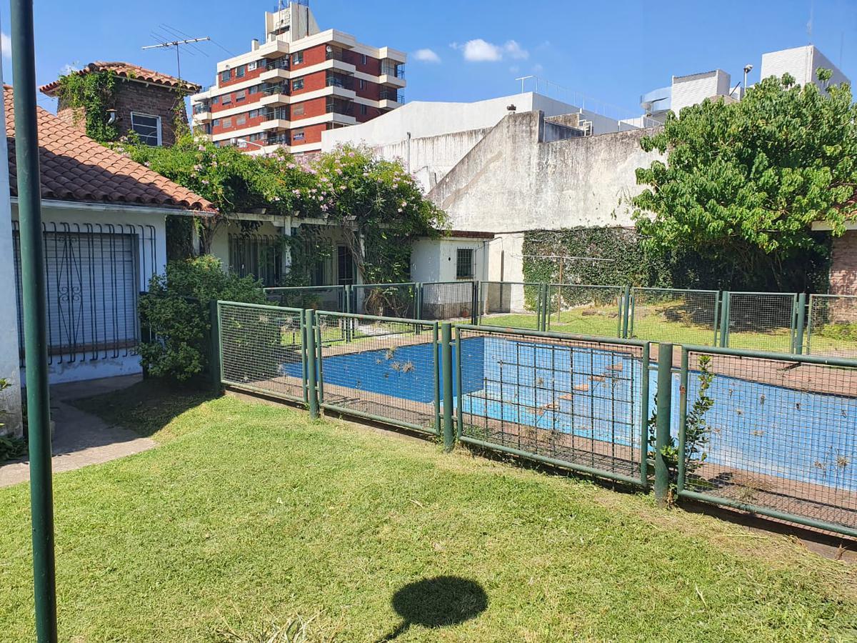 Foto Casa en Venta en  Centro (Moreno),  Moreno  Excelente parcela en venta en Moreno centro - Libertador 352