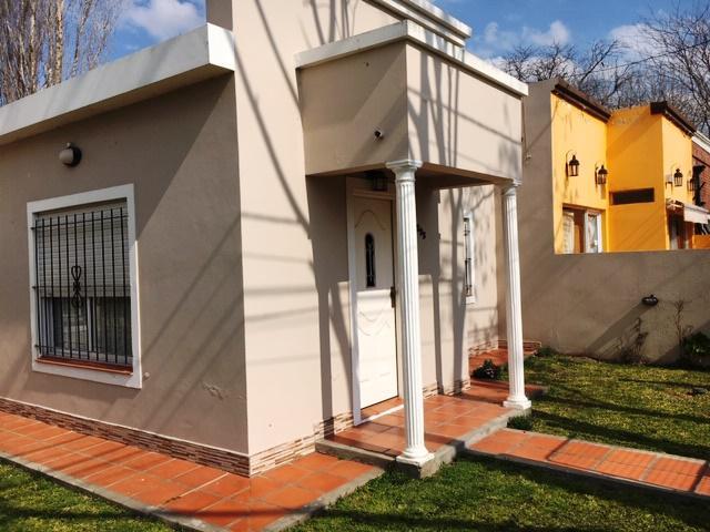 Foto Casa en Venta en  Pueblo Nuevo,  Lujan  Estrada Nº 1295