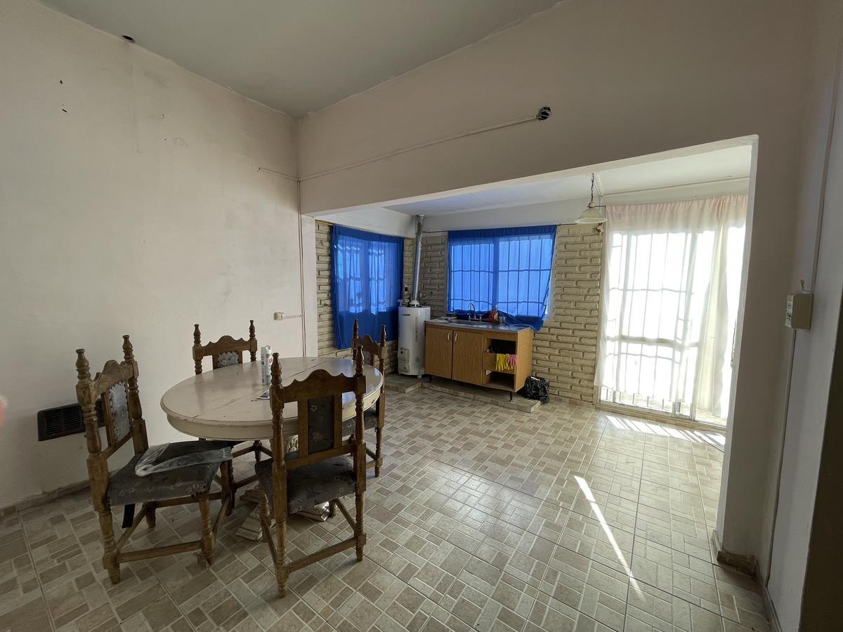 Foto PH en Venta en  Bernal Oeste,  Quilmes  165 nº 573 entre Alem y Zeballos