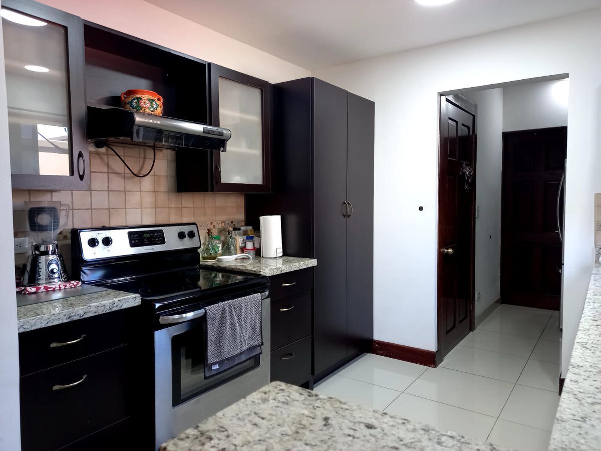 Foto Casa en condominio en Venta en  Santa Ana ,  San José  Santa Ana/ Terreno esquina/ Amplia/ Jardín