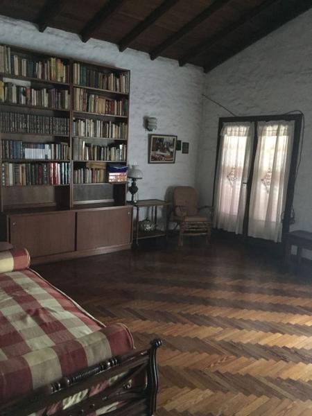Foto Casa en Venta en  Adrogue,  Almirante Brown  Arturo Illia 1465