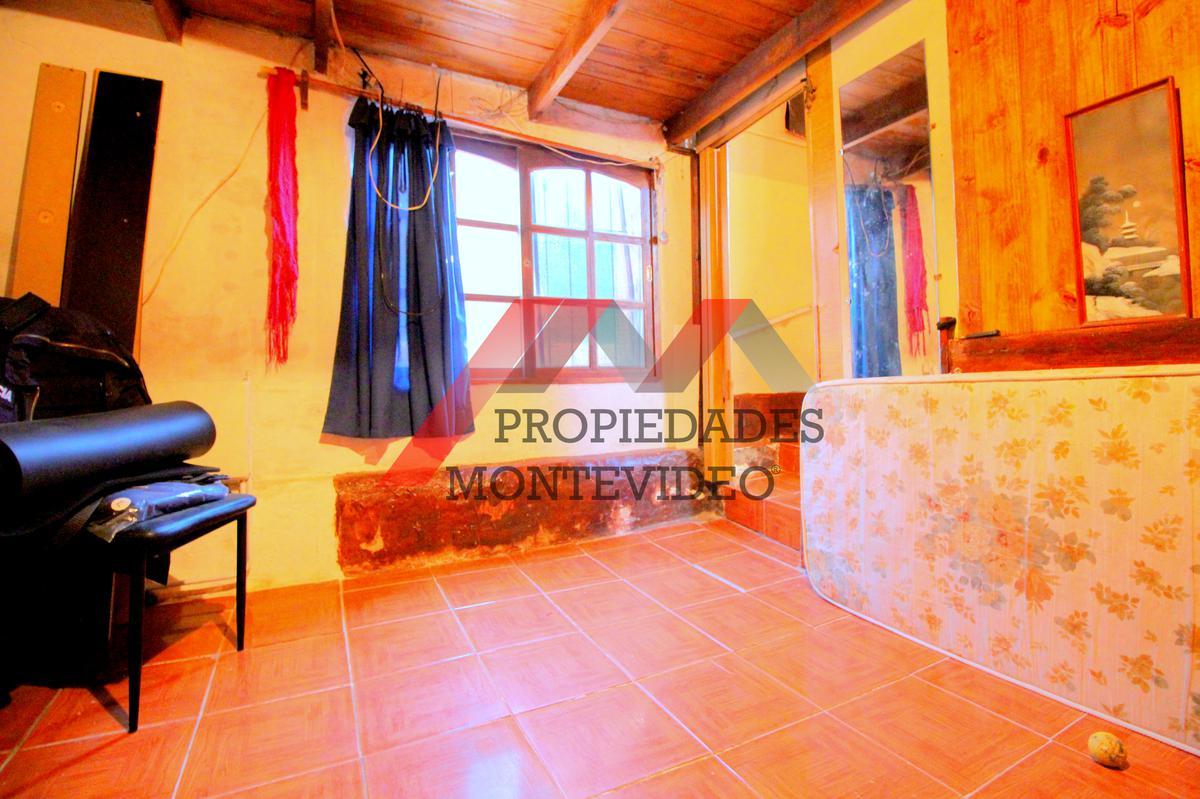 Foto Casa en Venta en  Unión ,  Montevideo  Unión - Coruña al 2900 esq Apostoles