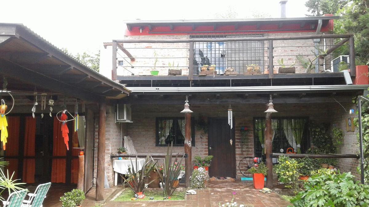 Foto Casa en Venta en  Bahia Blanca ,  Interior Buenos Aires  Quiroga al 1600