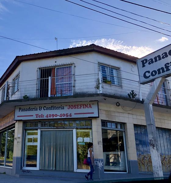 Foto Departamento en Venta en  Monte Grande,  Esteban Echeverria  Cervetti esquina 25 de Mayo