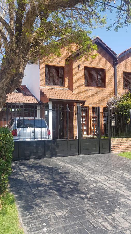 Foto Casa en Venta en  Constitucion,  Mar Del Plata  Venta duplex 4 ambientes en barrio Constitución