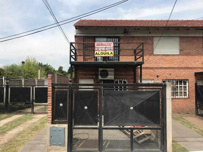 Foto Casa en Alquiler en  Paso Del Rey,  Moreno  Duplex sobre Corrientes al 4300 - Pso. del Rey - Lado norte