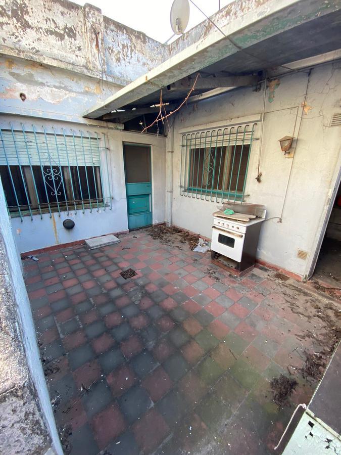 Foto Casa en Venta en  S.Fer.-Vias/Centro,  San Fernando  Rivadavia al 1500 - Para Reciclar!