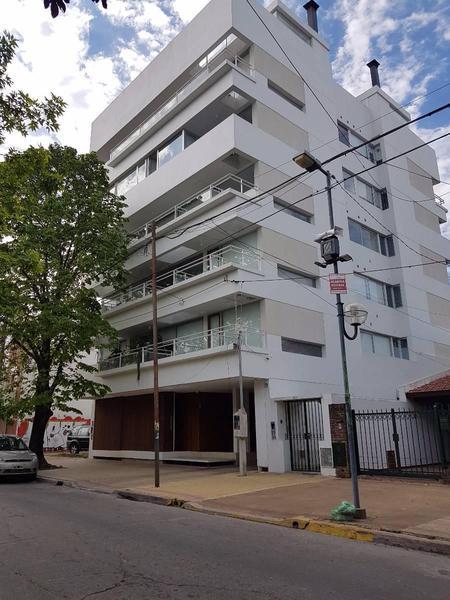 Foto Departamento en Venta en  La Plata,  La Plata  Calle 22 980