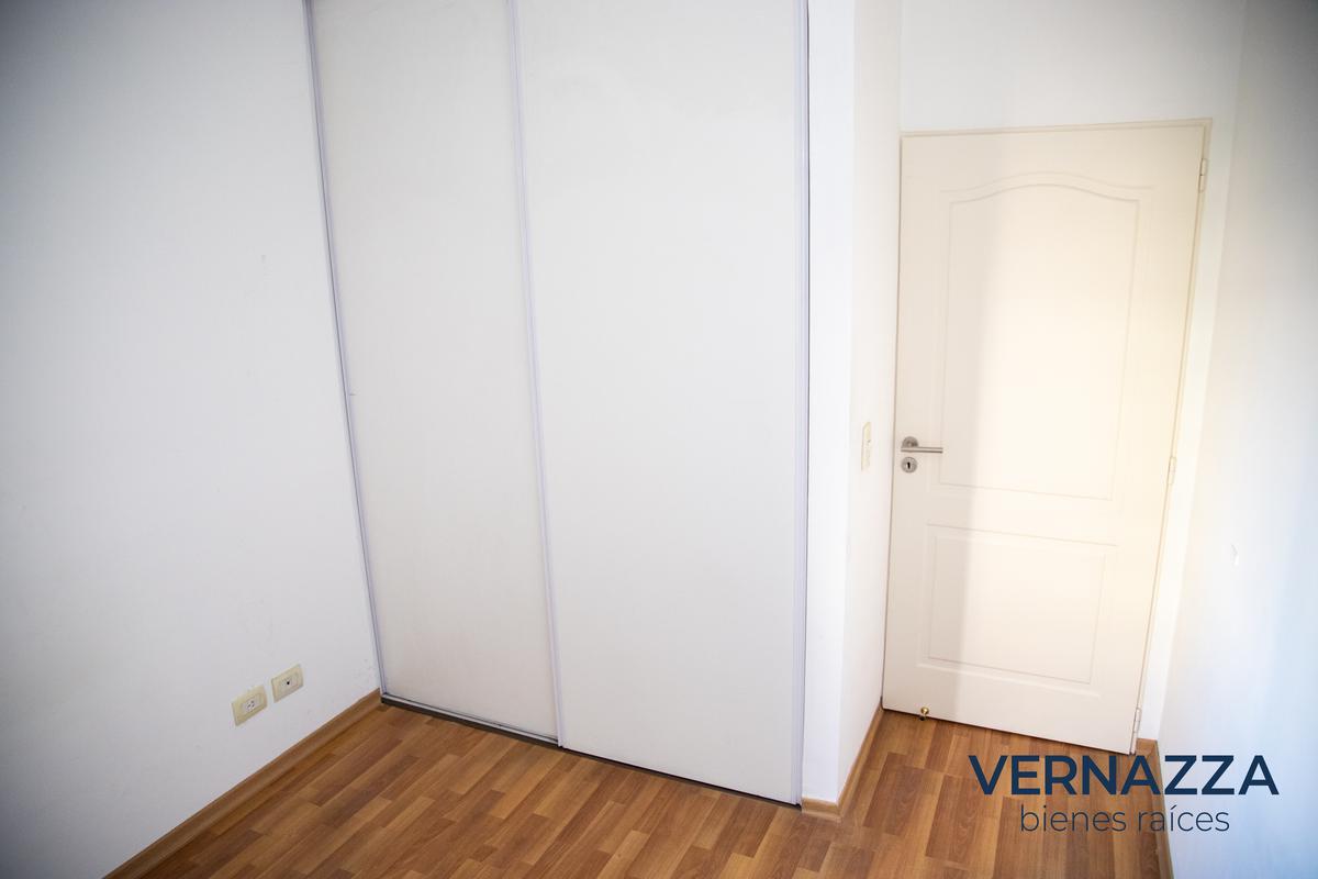 Foto Oficina en Venta en  Caballito ,  Capital Federal  Impecable, luminosa oficina en Caballito.