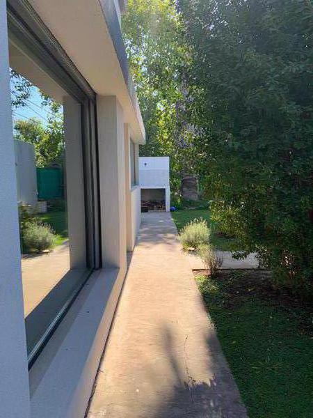 Foto Casa en Venta en  Joaquin Gorina,  La Plata  133 esquina 480