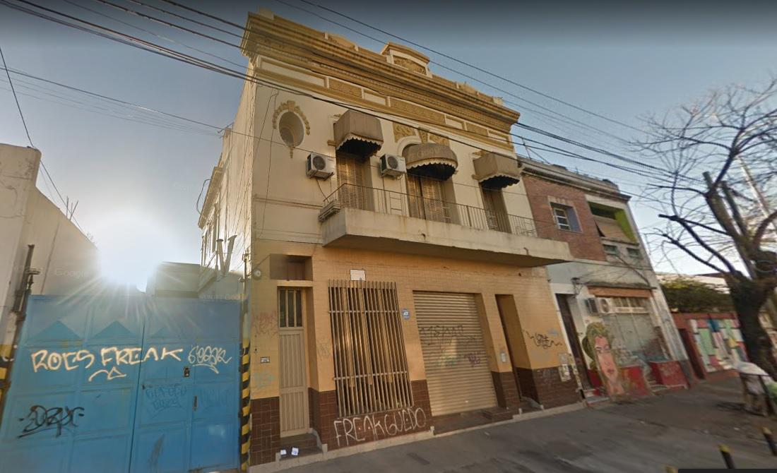 Foto Galpón en Alquiler en  Crucesita,  Avellaneda  Av. Belgrano al 1200