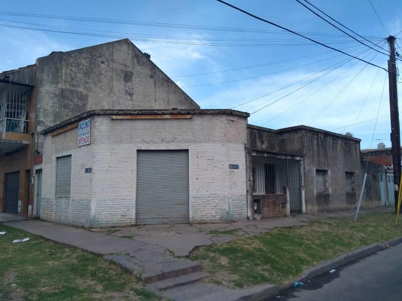 Foto Casa en Venta en  Quilmes Oeste,  Quilmes  Urrestarazu al 200 esquina Republica del Libano