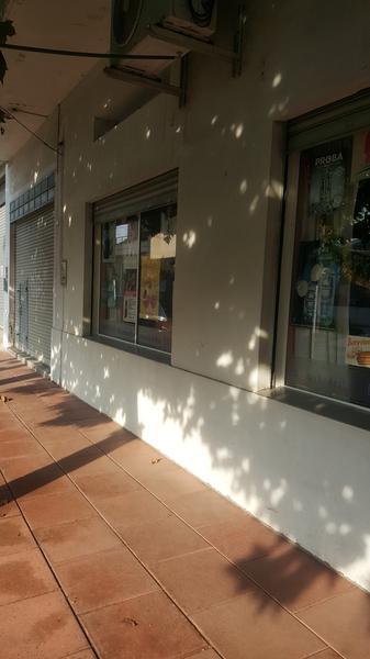 Foto Casa en Venta en  Moron Sur,  Moron  Aguado 906 esq. Arenales. Moron