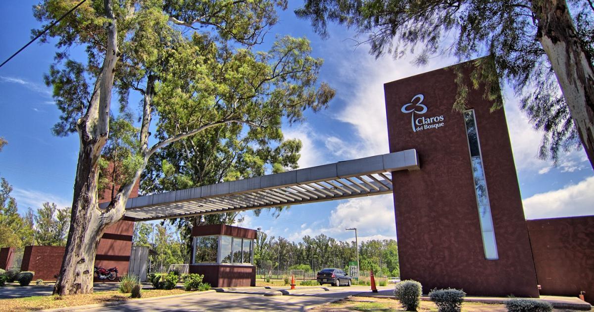 Foto Casa en Venta en  Claros del Bosque,  Countries/B.Cerrado  Celso Barrios al 3600