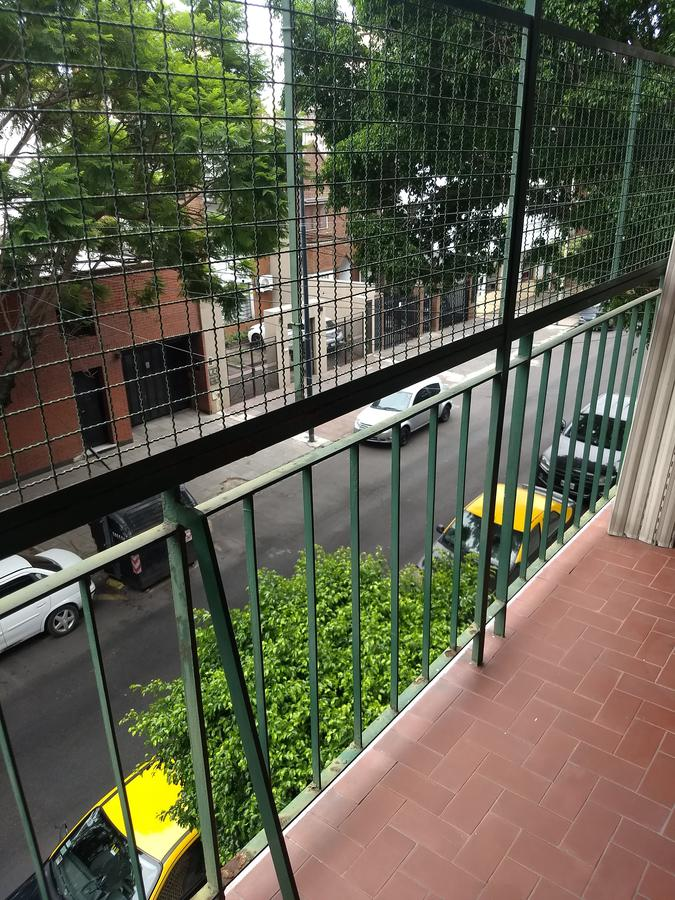 Foto Departamento en Venta en  Villa del Parque ,  Capital Federal  3 ambientes al frente con balcón. Baigorria y Chivilcoy