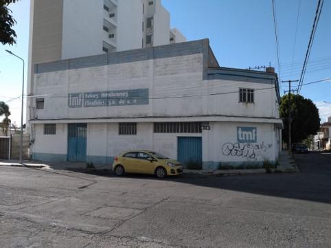 Foto Bodega Industrial en Renta en  Puebla ,  Puebla  Renta de Bodega en esquina, Belisario Dominguez