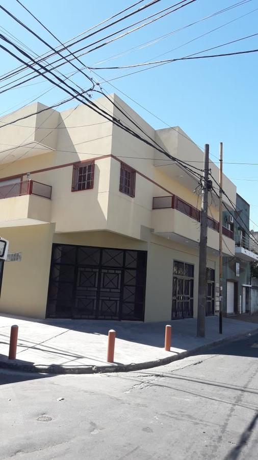 Foto PH en Alquiler en  Avellaneda,  Avellaneda  Ricardo Gutierrez y 12 de Octubre