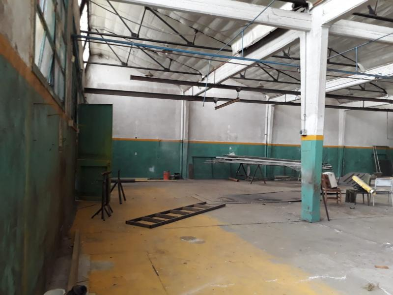 Foto Galpón en Venta   Alquiler en  La Plata ,  G.B.A. Zona Sur          13 y 518