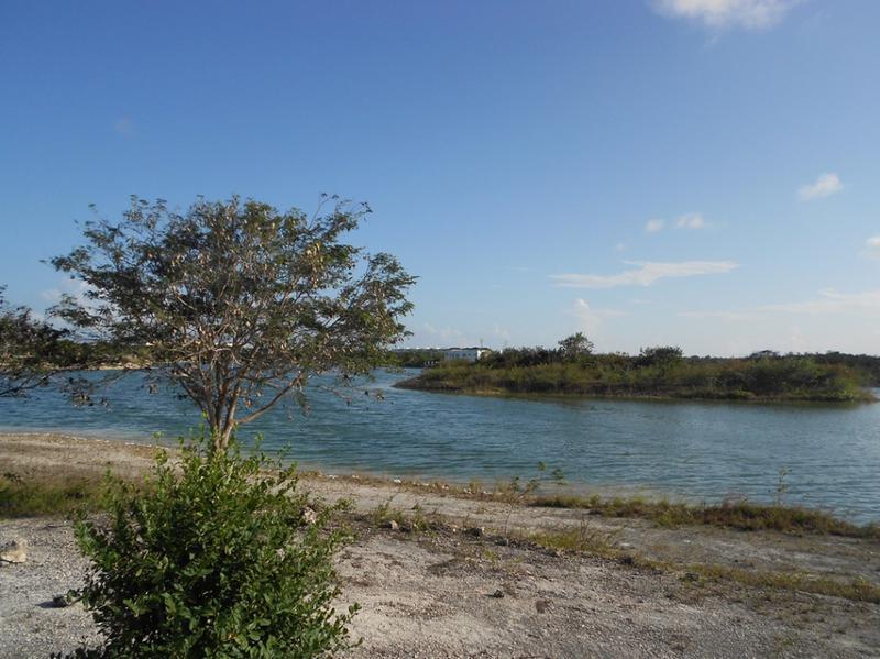 Foto Terreno en Venta en  Cancún ,  Quintana Roo  Terreno residencial en venta lagos del sol Cancún