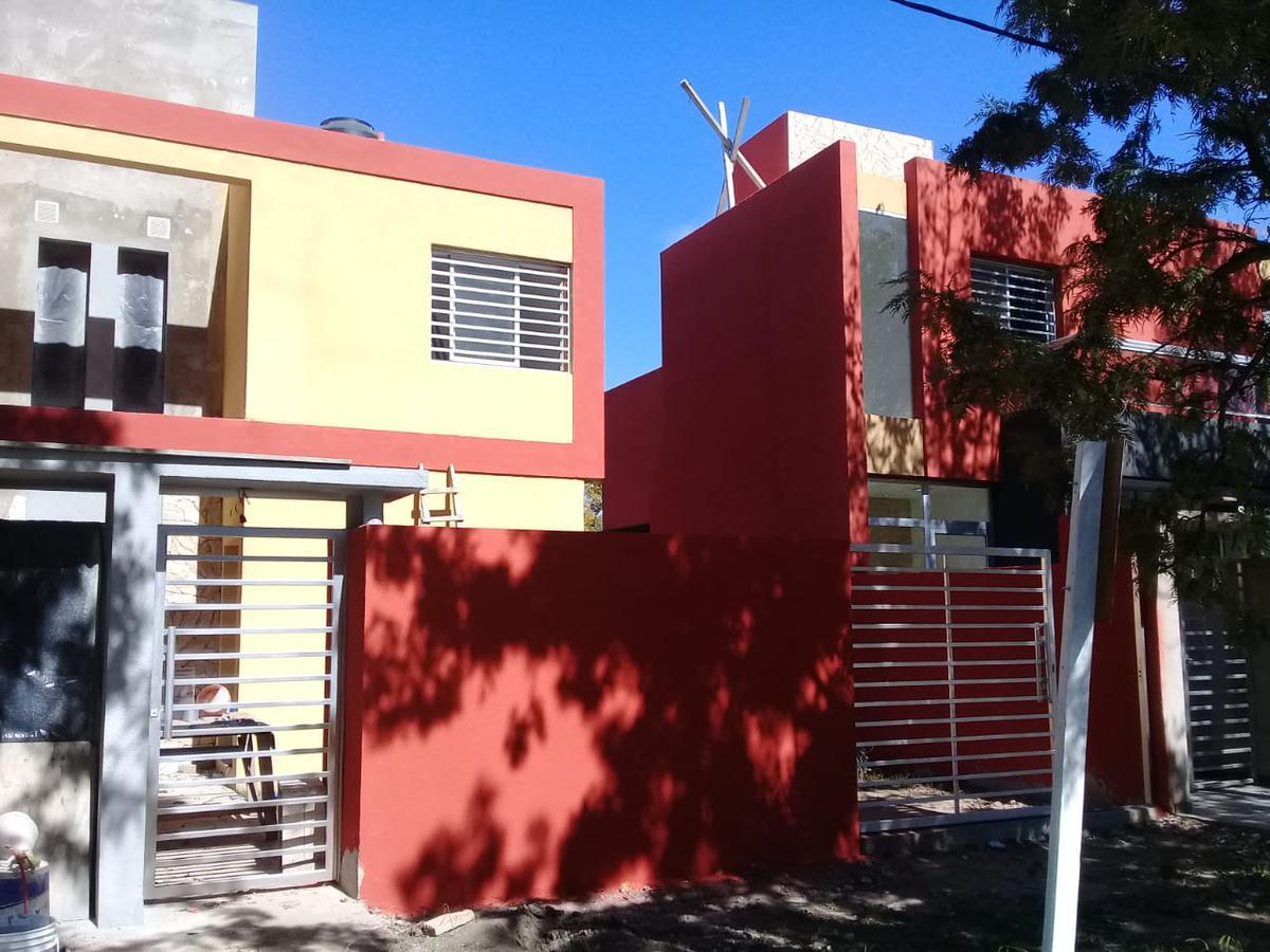 Foto Casa en Alquiler en  Funes ,  Santa Fe  Mitre y General Paz