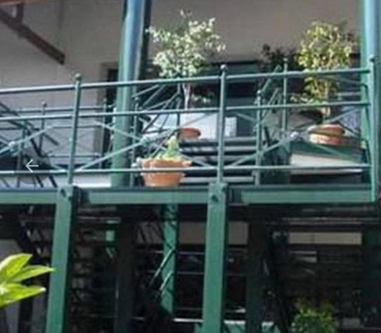 Foto Local en Venta en  Olivos,  Vicente López  corrientes 584/588