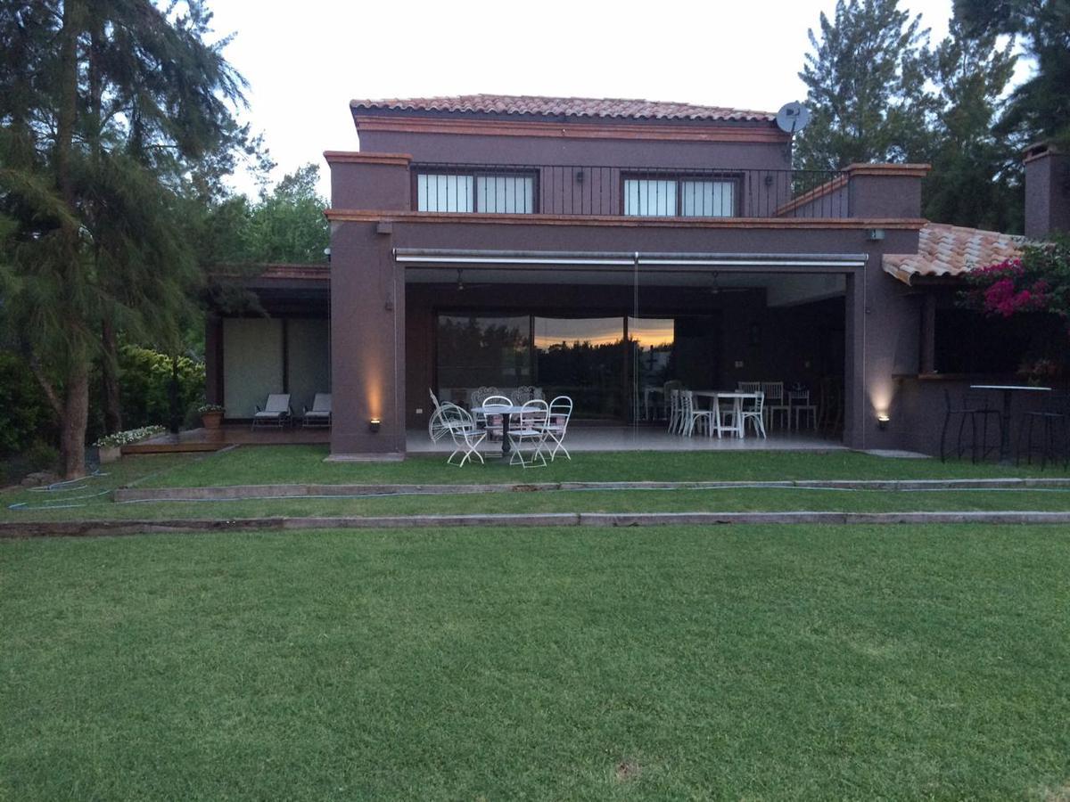 Foto Casa en Alquiler temporario en  Portal Aldea Fisherton,  Rosario  Aldea Lago - Av. Jorge Newbery 8800